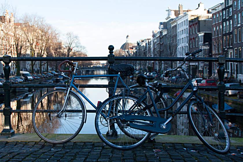 Amsterdam ist eine Radlerstadt - unschwer zu erkennen an den vielen Fahrrädern